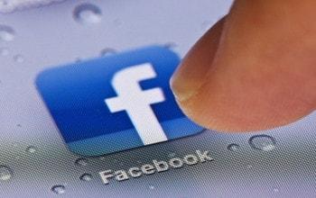 vao nhieu tai khoan facebook cung luc