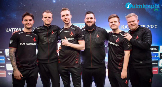 sau es3tag astralis van muon tim bo sung them it nhat 1 player nua vao doi hinh